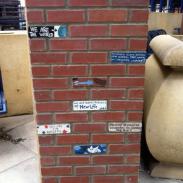 Conversing Bricks